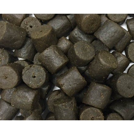 Carpstar Halibut Pellets Pre Drilled 20 mm - 1.5 kg